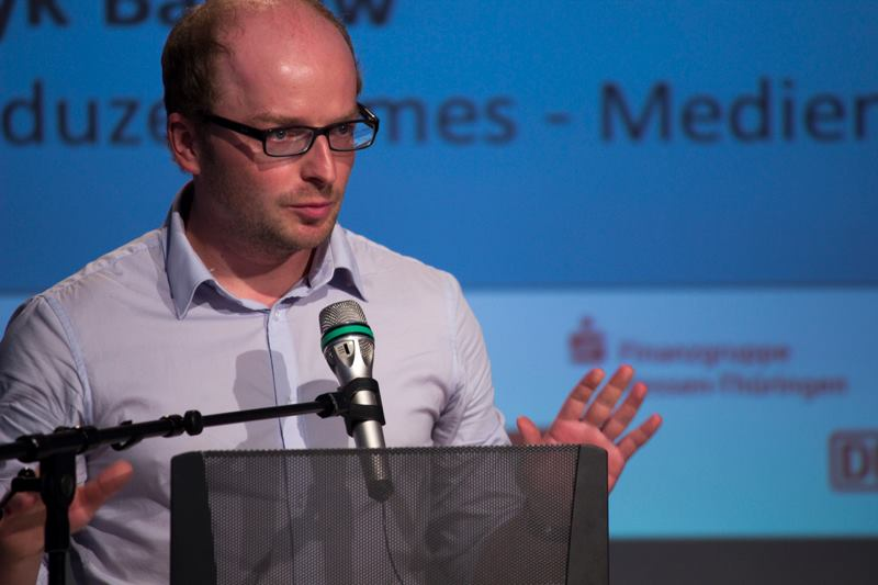 Yougendmedienpreis. Henryk Balkow vom junge medien thüringen e.V. war seit vielen Jahren Laudator, Moderator oder Workshop-Trainer beim YMP.