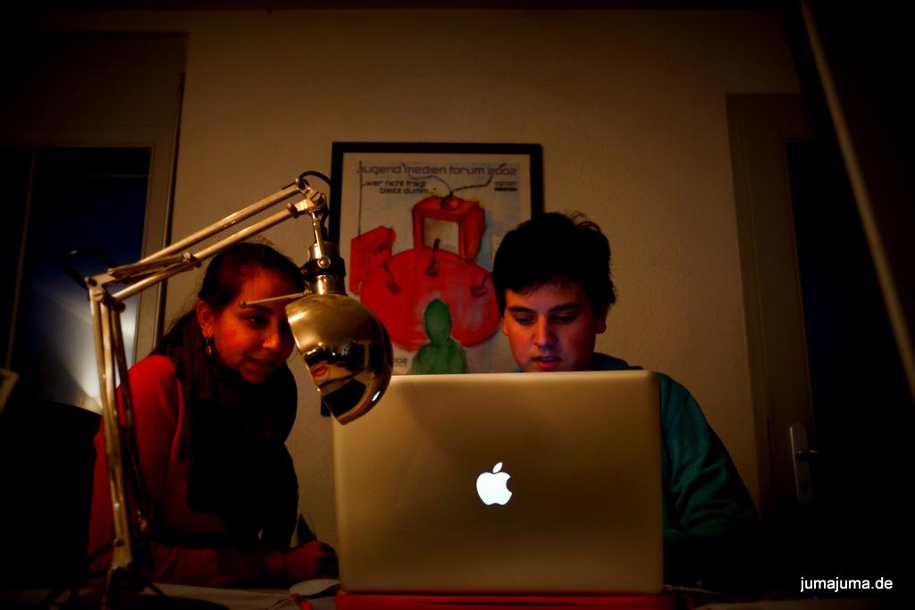 JuMa-Chefredakteurin Melanie Lal mit Fotograf Jonas Turtschan